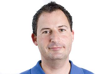 Dr. Daniel Henseler